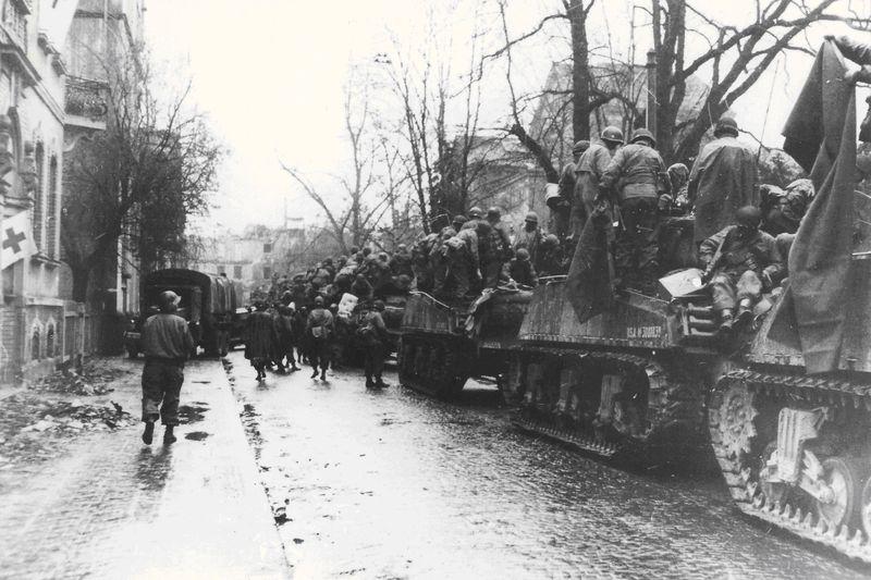 Einmarsch amerikanischer Soldaten in Gießen