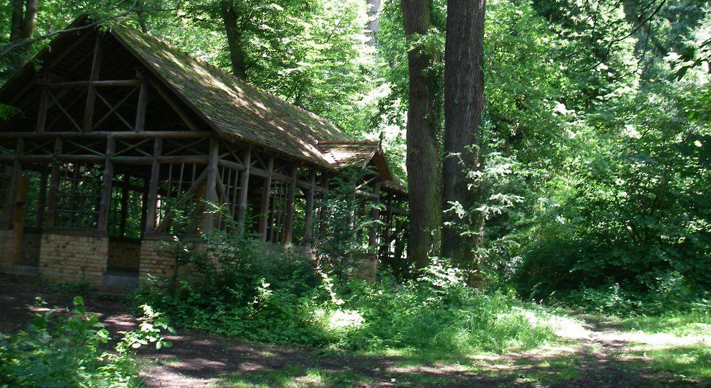 Altes Kaffeehaus im akademischen Forstgarten