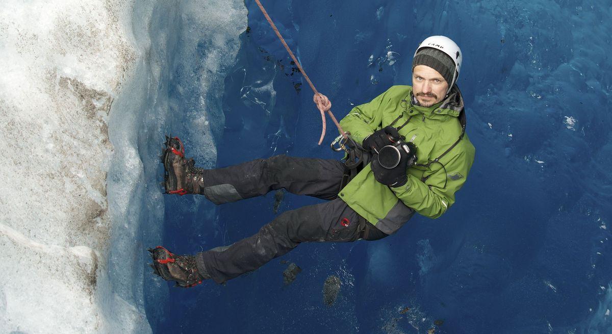 Markus Mauthe im Gletschereis in Patagonien