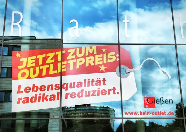 Kein Outlet - Banner Rathaus