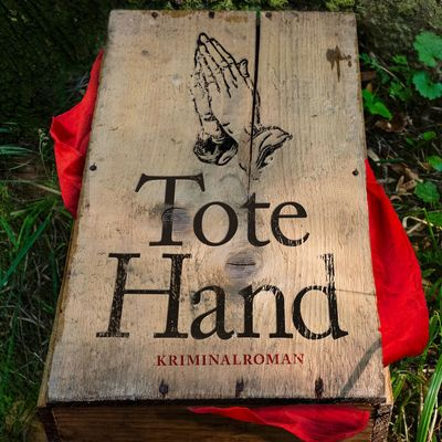Cover_TOTE HAND