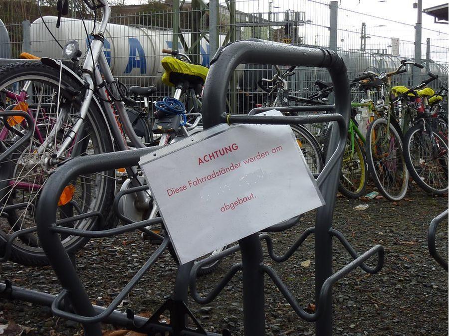 Fahrradständer Bahnhofsvorplatz 2