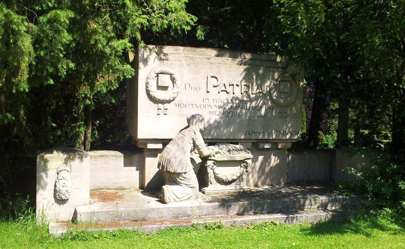 Denkmal Pro Patria auf dem Neuen Friedhof