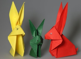 Gebastelte Oserhasen aus buntem Papier