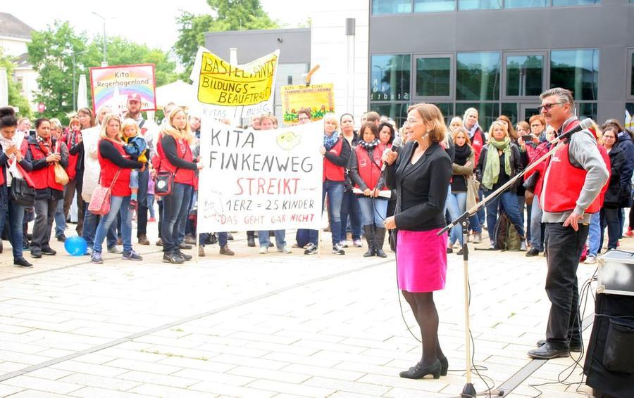 Streik vor dem Rathaus 2015