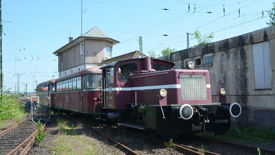 Vereinseigener Schienenbus der Oberhessischen Eisenbahnfreunde im Gießener Bahnhof