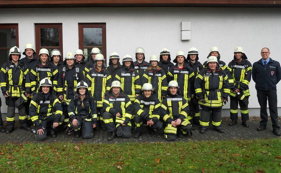Teilnehmer des Atemschutzgeräteträgerlehrgangs im April 2015 bei der Berufsfeuerwehr Gießen