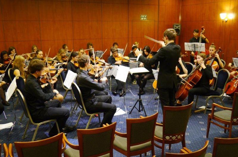 Orchester der kommunalen Musikschule zu Gast in der Partnerstadt Netanya in Israel