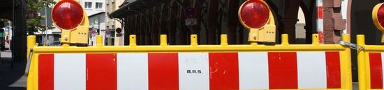 Ausschnitt Schild Straßensperrung - Verkehr