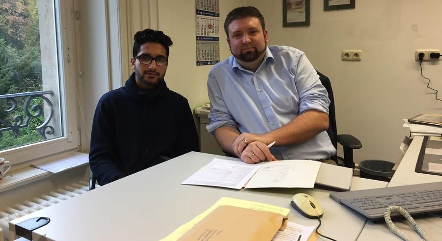 Nasim Osmani mit Martin Eckel im Standesamt Gießen