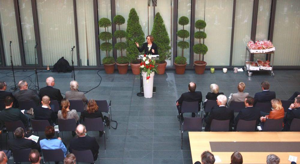 OB Grabe-Bolz bei ihrer Rede beim Neujahrsempfang 2017 im Rathaus