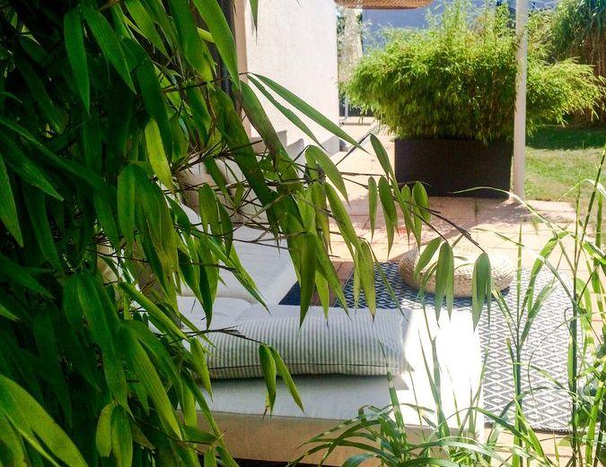 Sitzecke in einem Garten