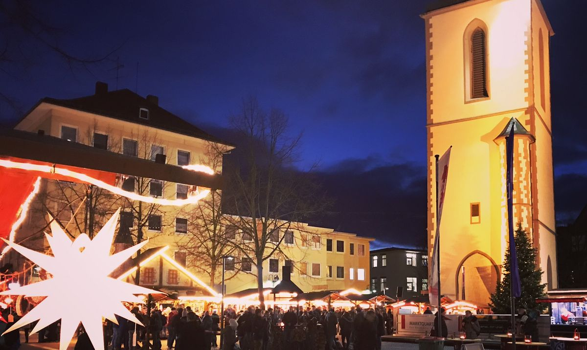 Weihnachtsmarkt am Kirchenplatz