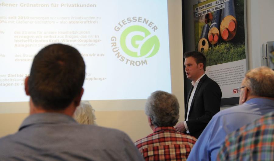 Energieberater Jakobi bei Vortrag im SWG-Kundenzentrum