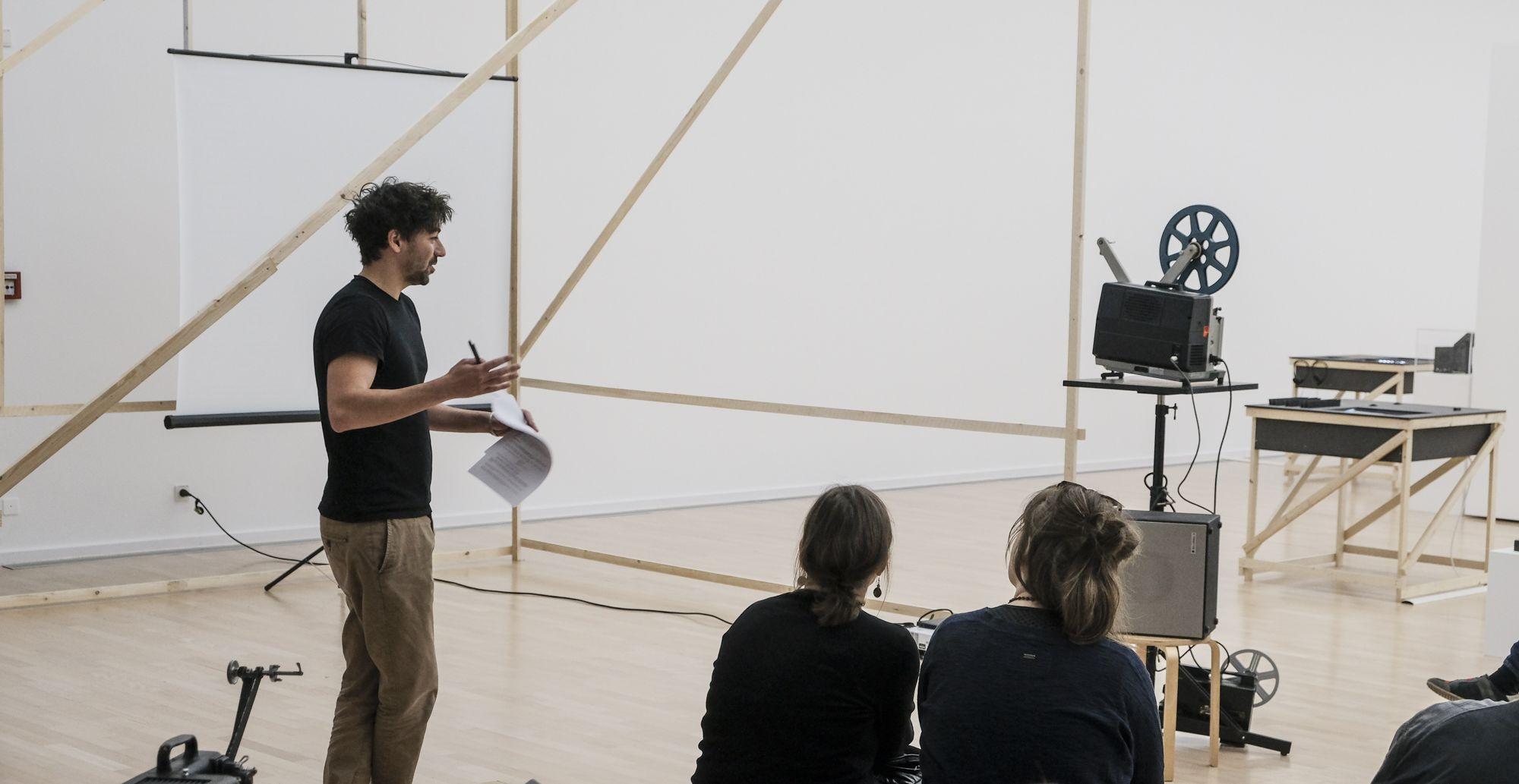 Gießen in bewegten Bildern - Mario Alves bei einem Vortrag