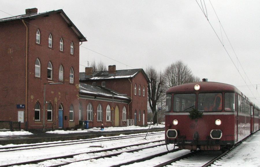 Schienenbus im Winter
