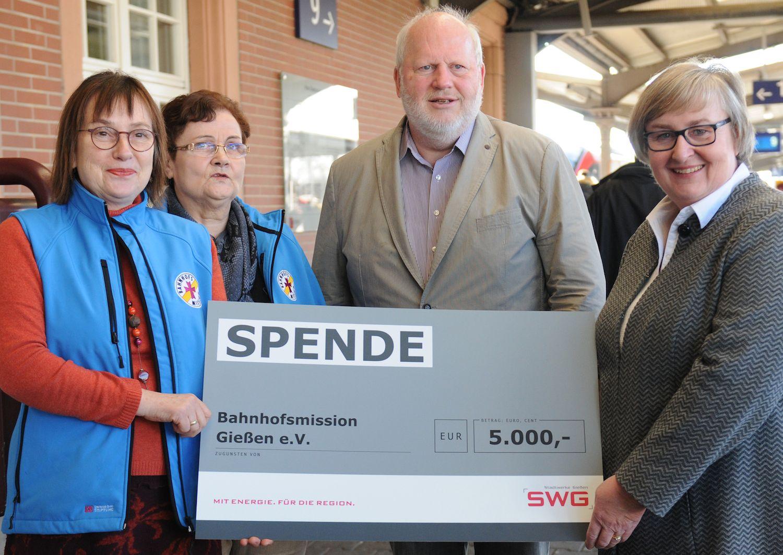 Pressertermin Spende für Bahnhofsmission - Gruppenbild