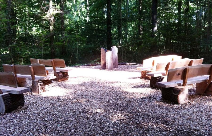 Andachtsplatz des Bestattungswalds am Schiffenberg