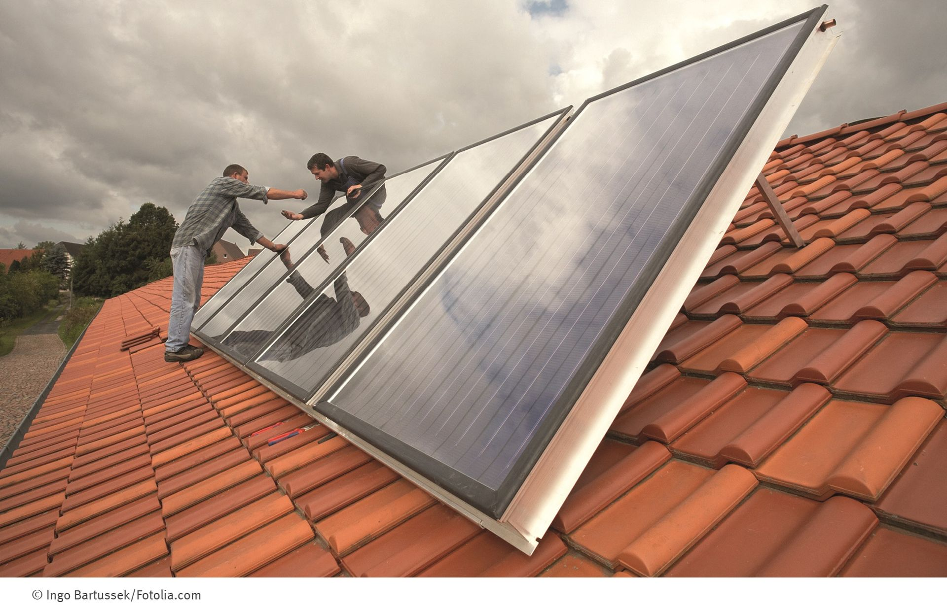 Solarwärme-Check auf einem Dach
