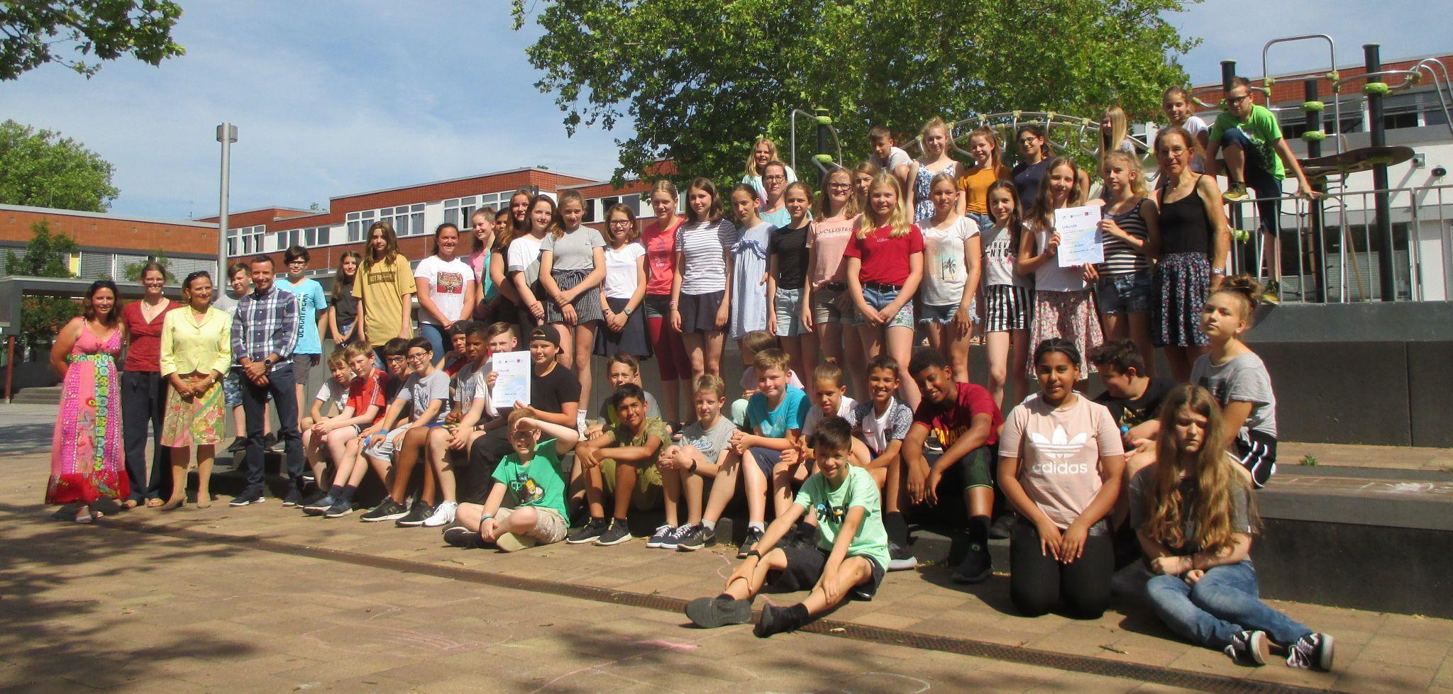 Schulklassen der GGO - Gruppenbild