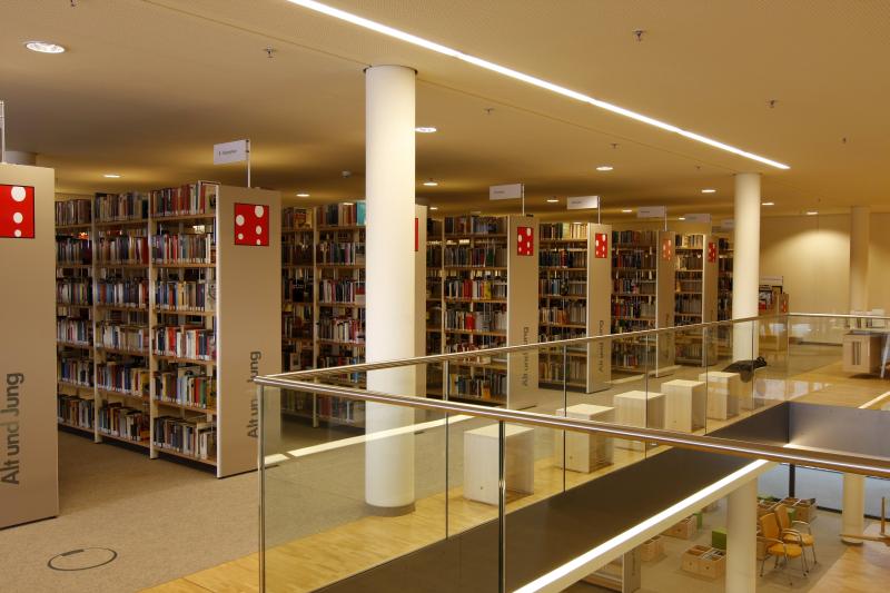 Bereich Alt und Jung in der Stadtbibliothek
