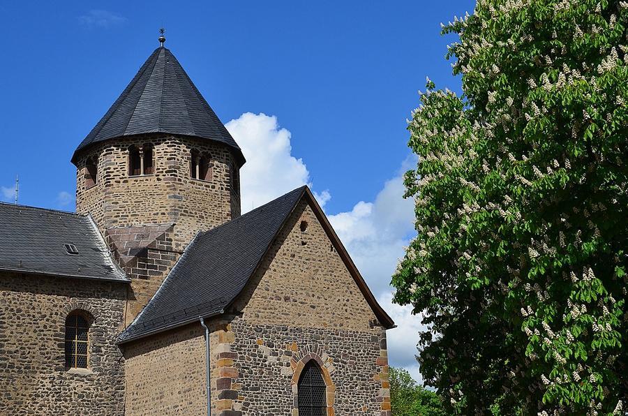 Ausschnitt der Basilika auf dem Schiffenberg