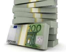 Stapel mit Geldscheinen
