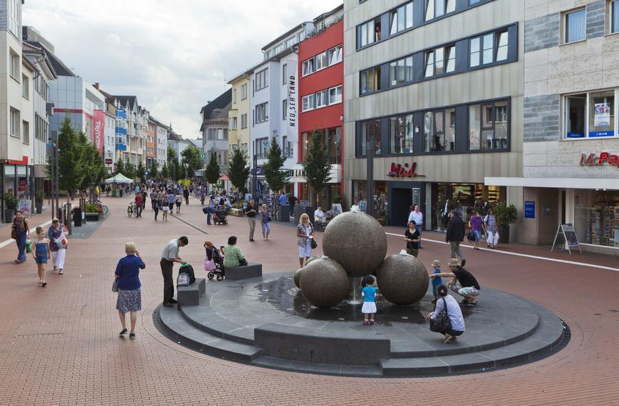 Sanierung der Giessener Innenstadt, Giessen, Universitätsstadt Kulturstadt Einkaufsstadt. Foto: Rolf K. Wegst