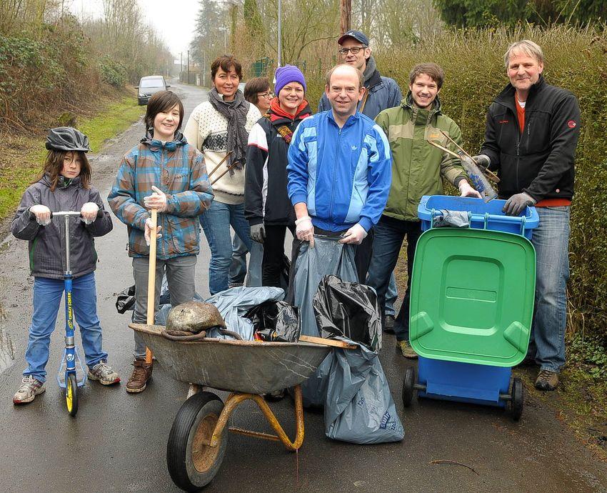 Sammelgruppe bei der Aktion Sauberhafter Frühling 2013