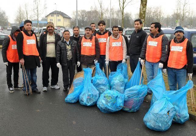 Aktion Sauberhafter Frühling 2013 - Ahmadiyya Muslim Gemeinde